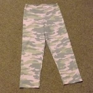Other - Camo stretch leggings